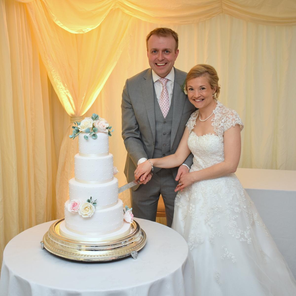 Hampshire wedding photographer-101.JPG