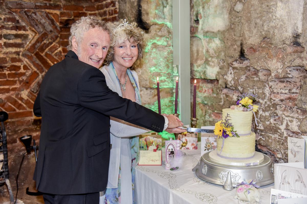 Hampshire Wedding Photography-103.jpg
