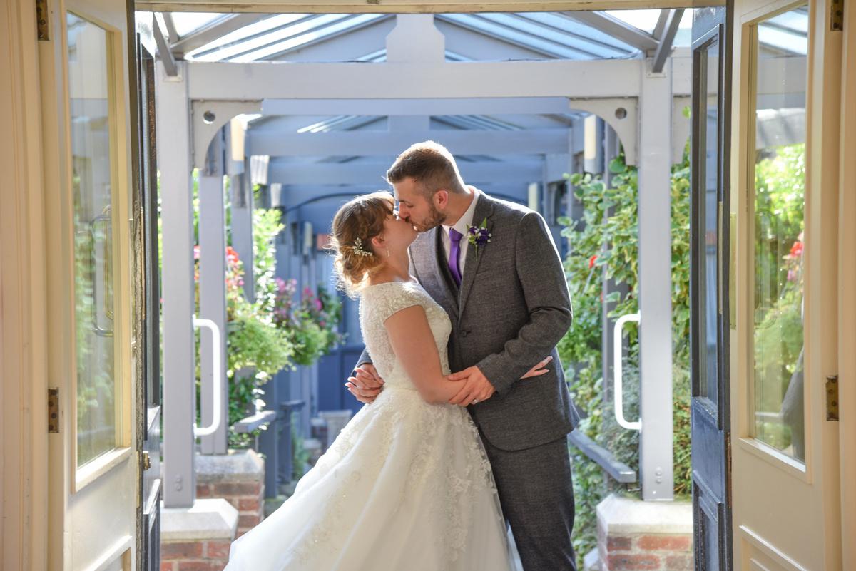 Hampshire Wedding Photography-147.jpg