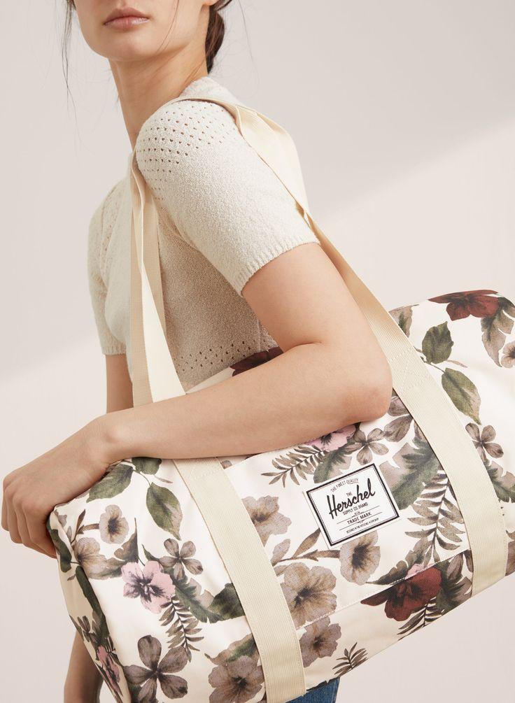 Gym-Bag-Stylish-Fashion-Accessory