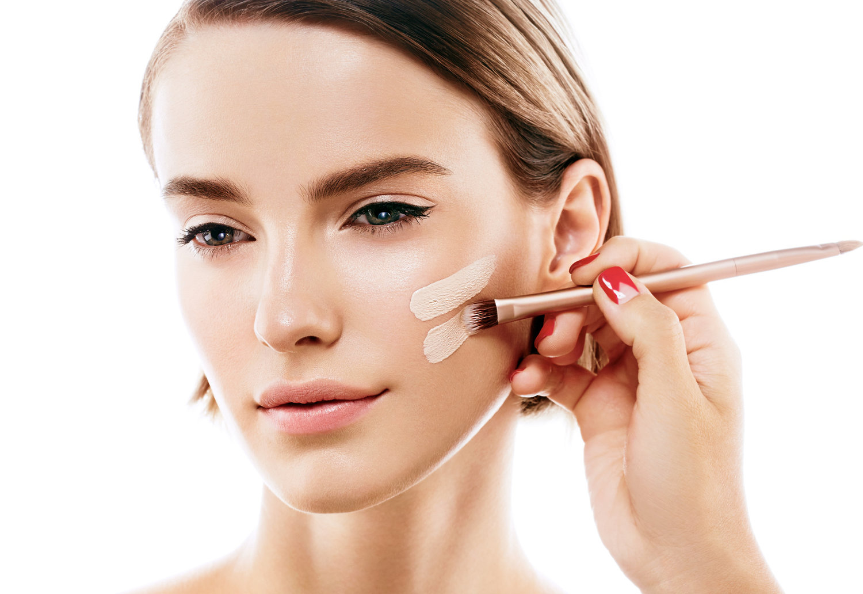 18 Best Natural Makeup Foundations Ewg