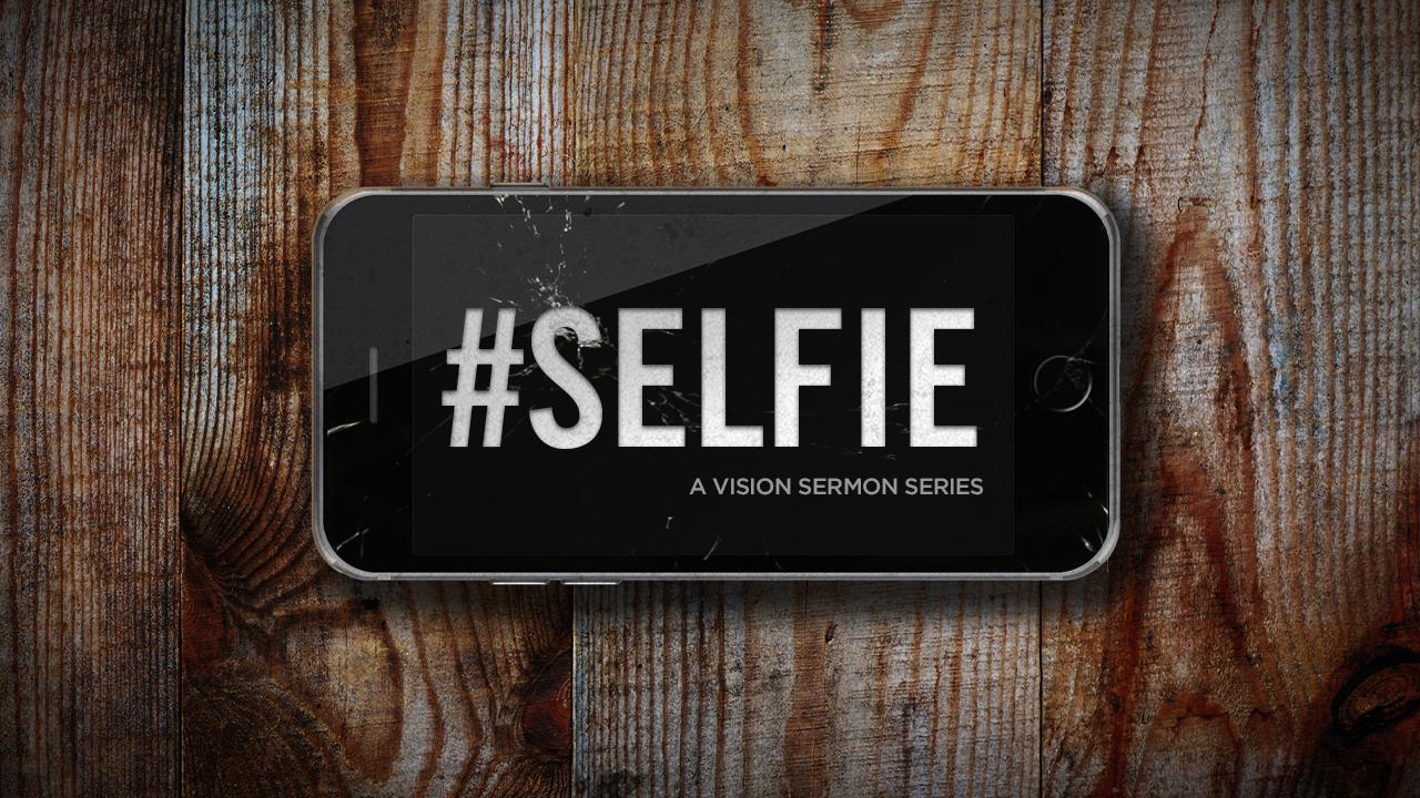 Selfie_TV-Monitor.jpg