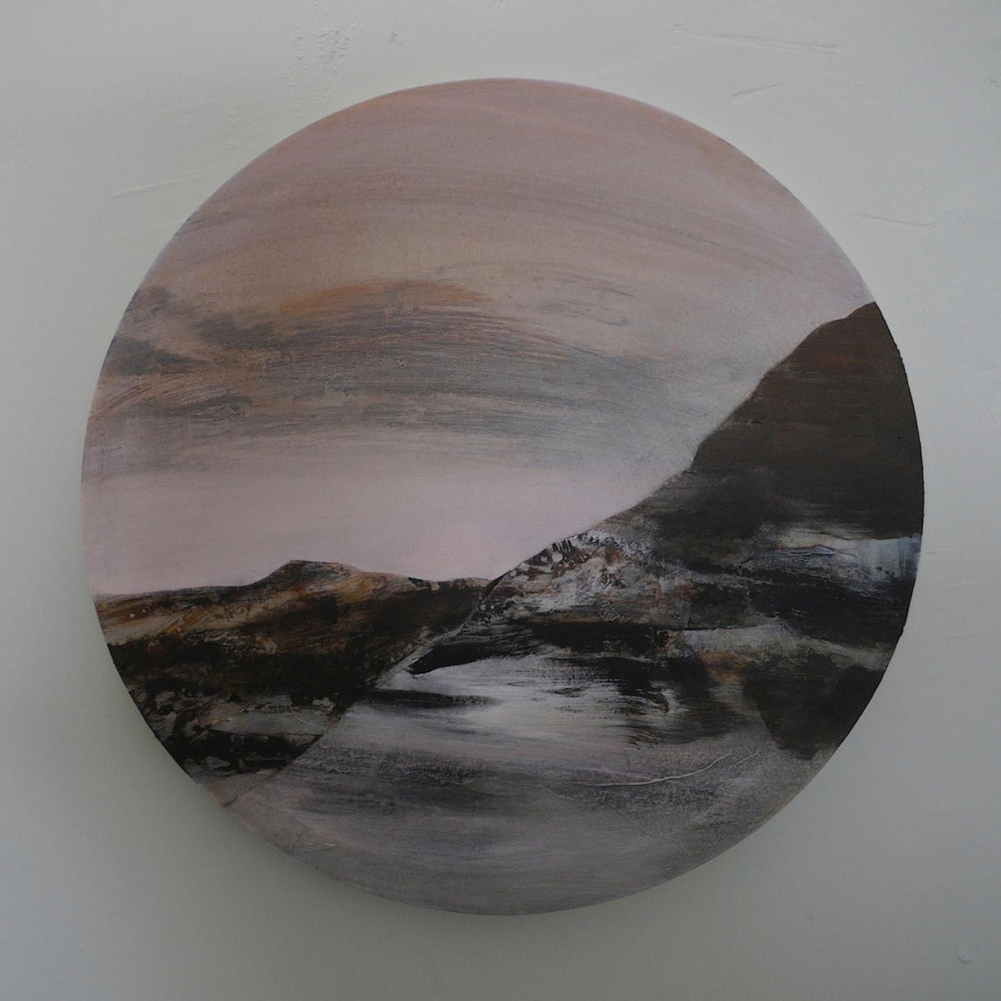 Gaze I  , 2014, acrylic on canvas, diameter 60cm