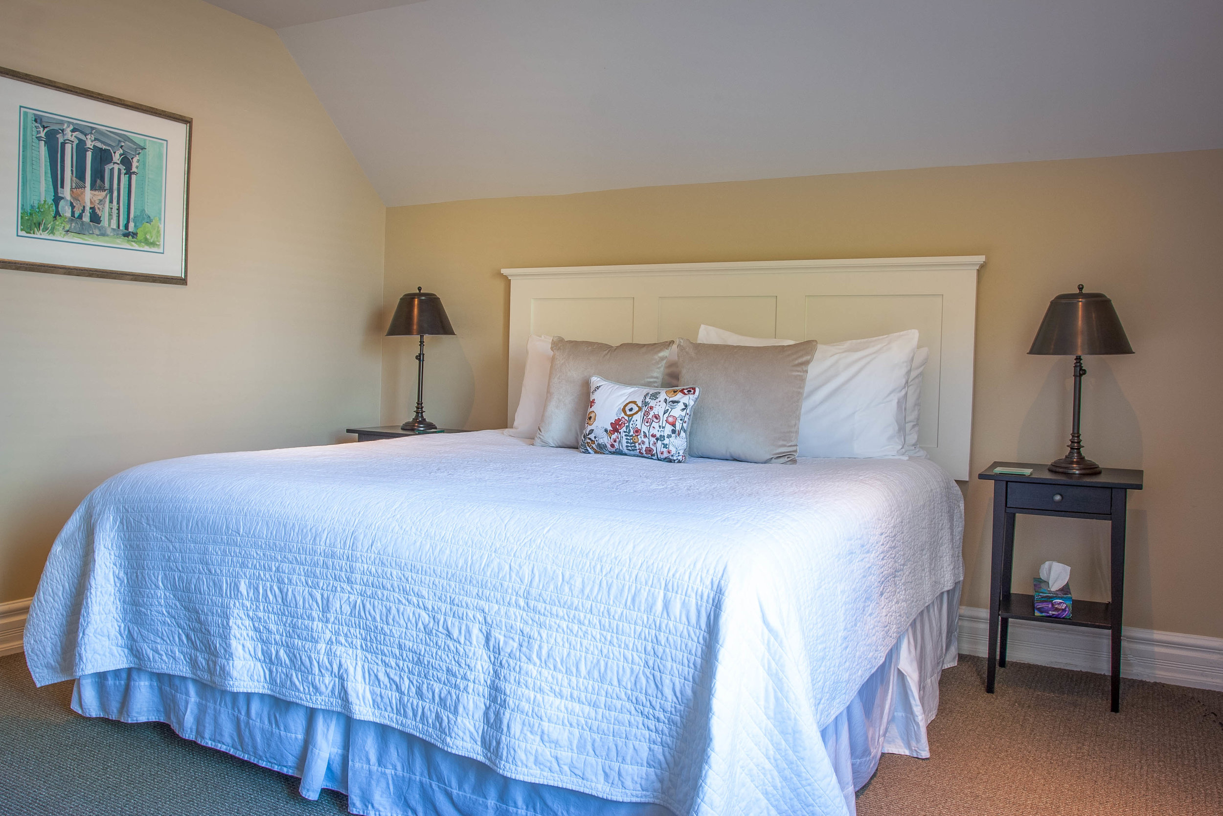 interior suite bedroom-.jpg