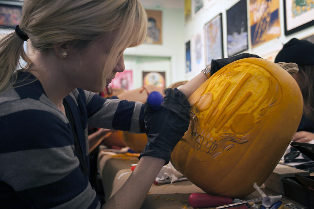 3d37d4b0-5912-11e4-9fb6-71e3320c41da_maniac-pumpkin-carvers-workshop-0012.jpg