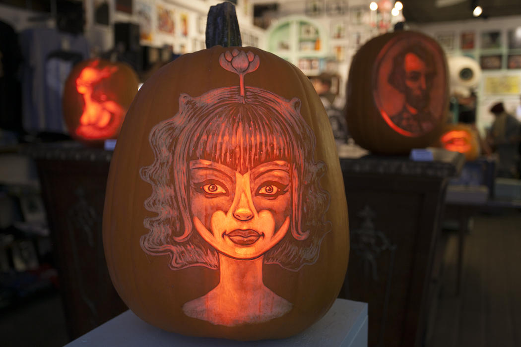 16c39f80-5912-11e4-9fb6-71e3320c41da_maniac-pumpkin-carvers-workshop-0001.jpg