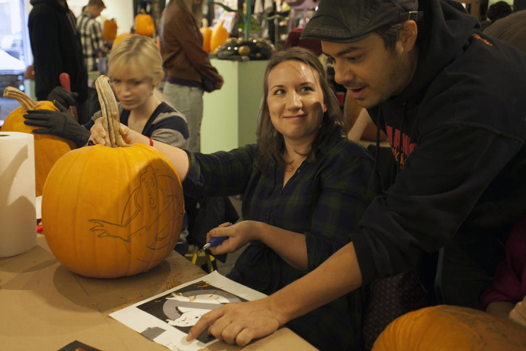 3902b680-5912-11e4-9fb6-71e3320c41da_maniac-pumpkin-carvers-workshop-0011.jpg