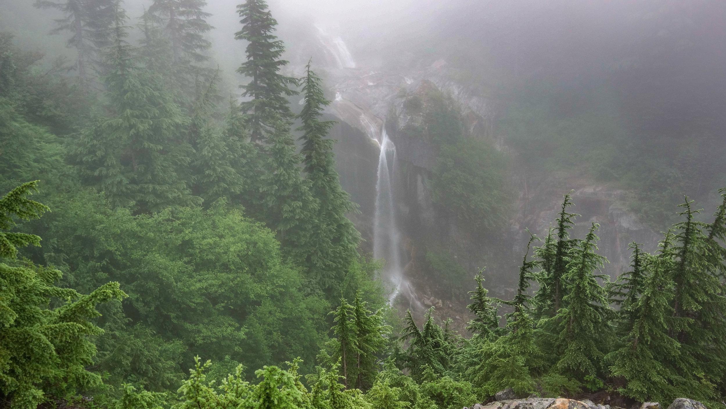 keekwulee falls.jpg