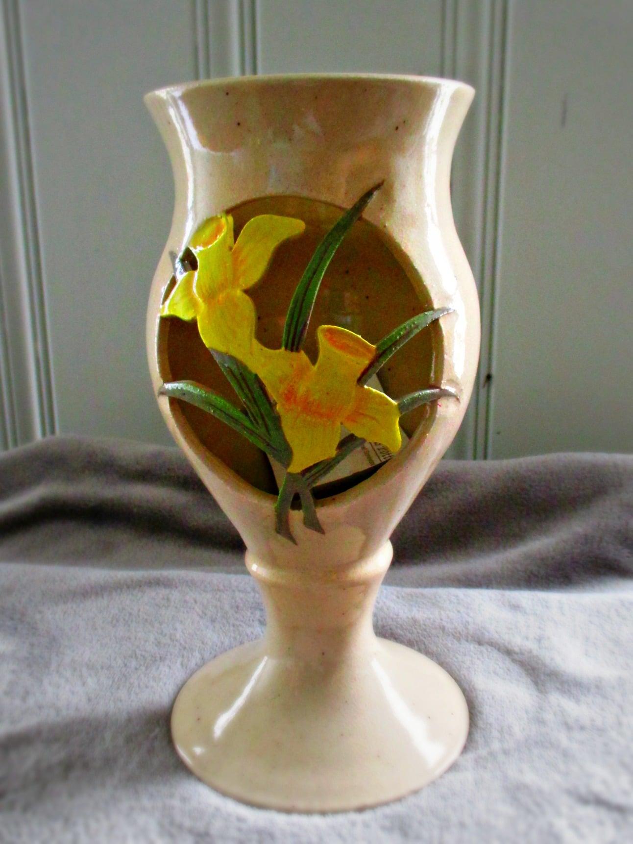 tulippottery.jpg