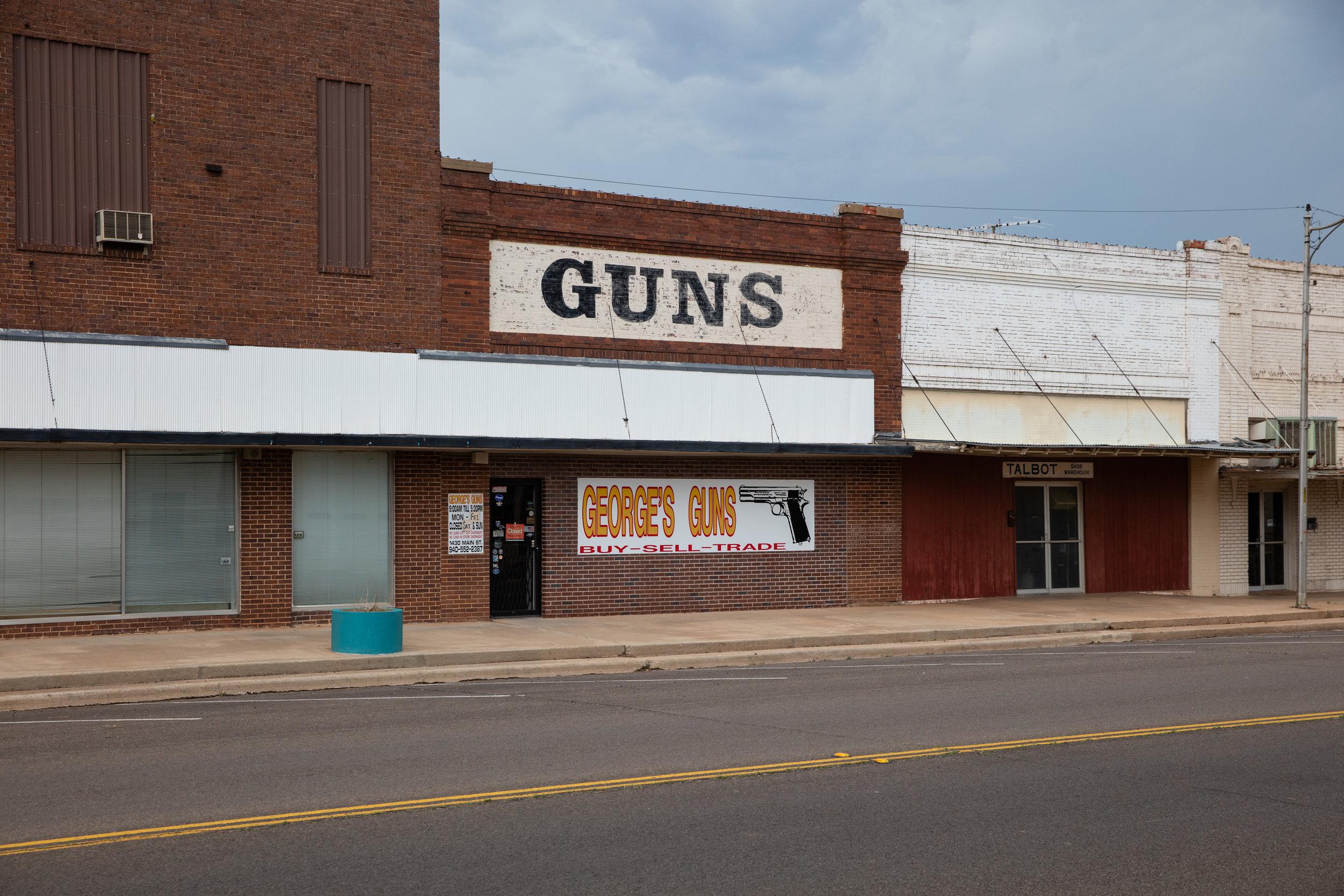 George's Guns  Main Street  Vernon, Texas (2018)