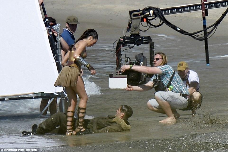 Wonder-Woman-06.jpg