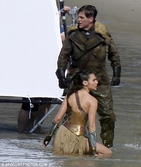 Wonder-Woman-05.jpg
