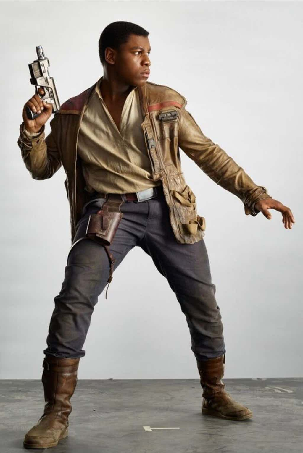 Star-Wars-The-Last-Jedi-John-Boyega-as-Finn-Holding-Blaster.jpg