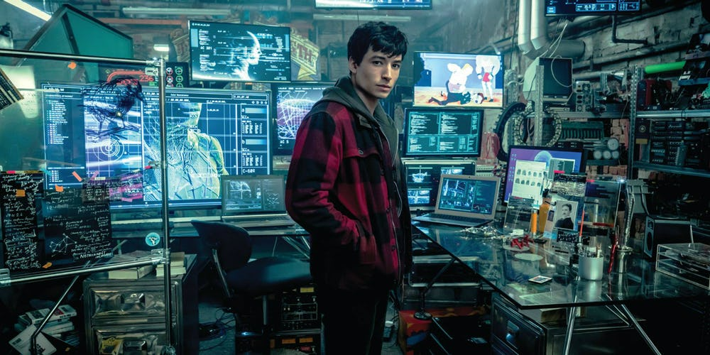 Ezra-Miller-as-Barry-Allen-in-Justice-League-header-image.jpg