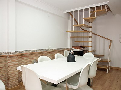 brick wall, white table and chairs - 491616_1323684470348