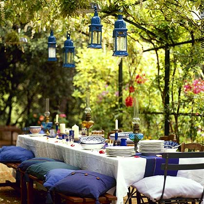 dining-al-fresco-photos-tablescapes-in-the-garden-setting-table-setting-2