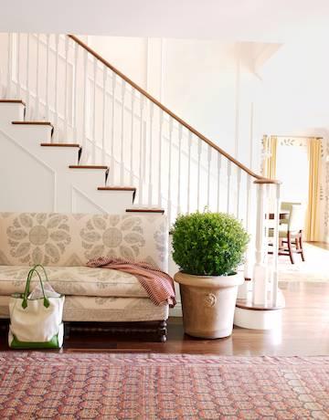 hbx-dunham-white-staircase-1110-de