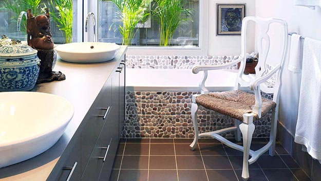 stone tile in bathtub - 0810hgeasustain1-625