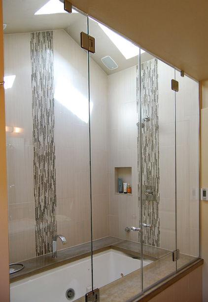 vertical row of decorative tiles - 5fb1725a0ccd9c4a_1000-w422-h612-b0-p0---bathroom