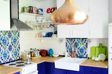15 - colourful backsplash behind stove