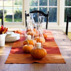halloween-party-decorations-table-setting-12