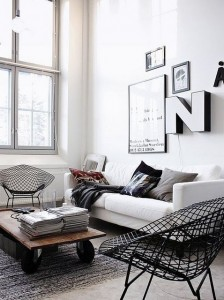 21 - black and white living room with bertoia chair