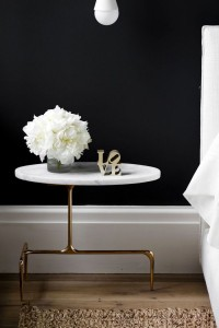 21 - black walls, marble and gold table