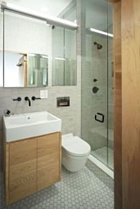 Nifty-Design-for-Small-4x6-Bathroom-with-Contemporary-Style