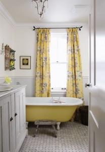 sarah richardson farmhouse bathroom