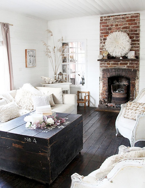 shabby chic living room.jpg