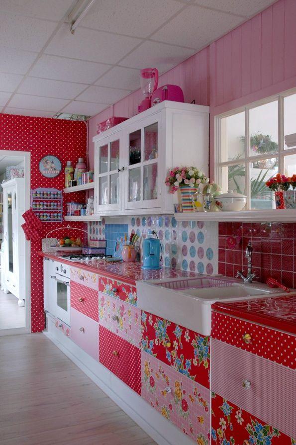 12 - wild pink kitchen.jpg