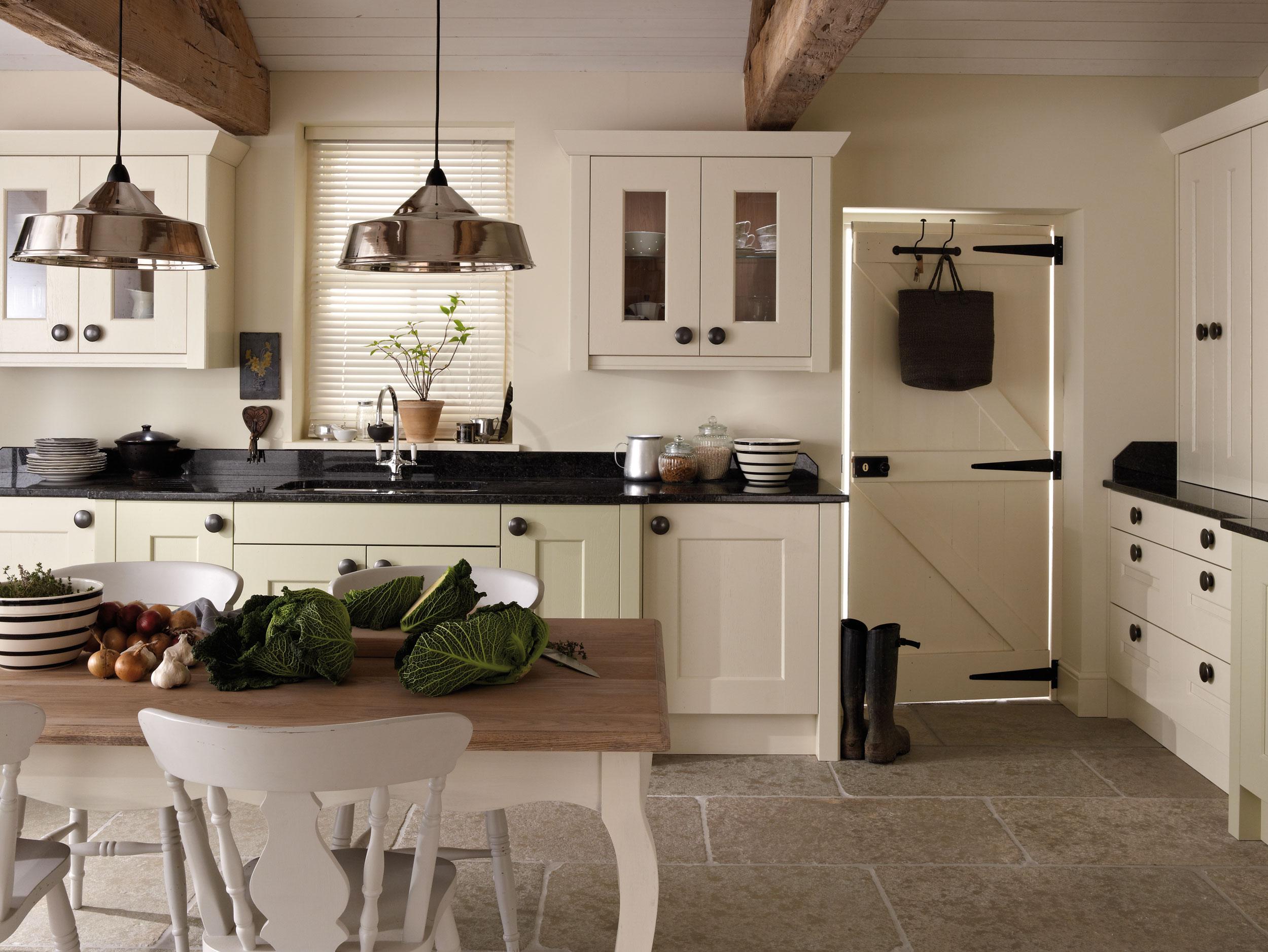 eat-in kitchen 15.jpg