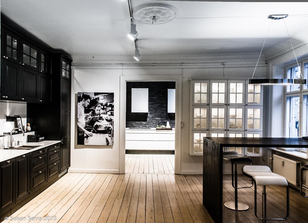 kitchen-other-kitchen-beautiful-amazing-rustic-scandinavian-kitchen-dining-in-amazing-black-and-white-color-theme-hardwood-flooring-kitchen-design-ideas.jpg
