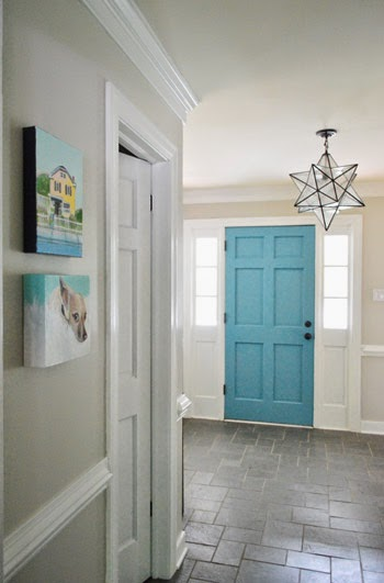 Consider painting the inside of your front door a colour that coordinates with your home. Wow, right?