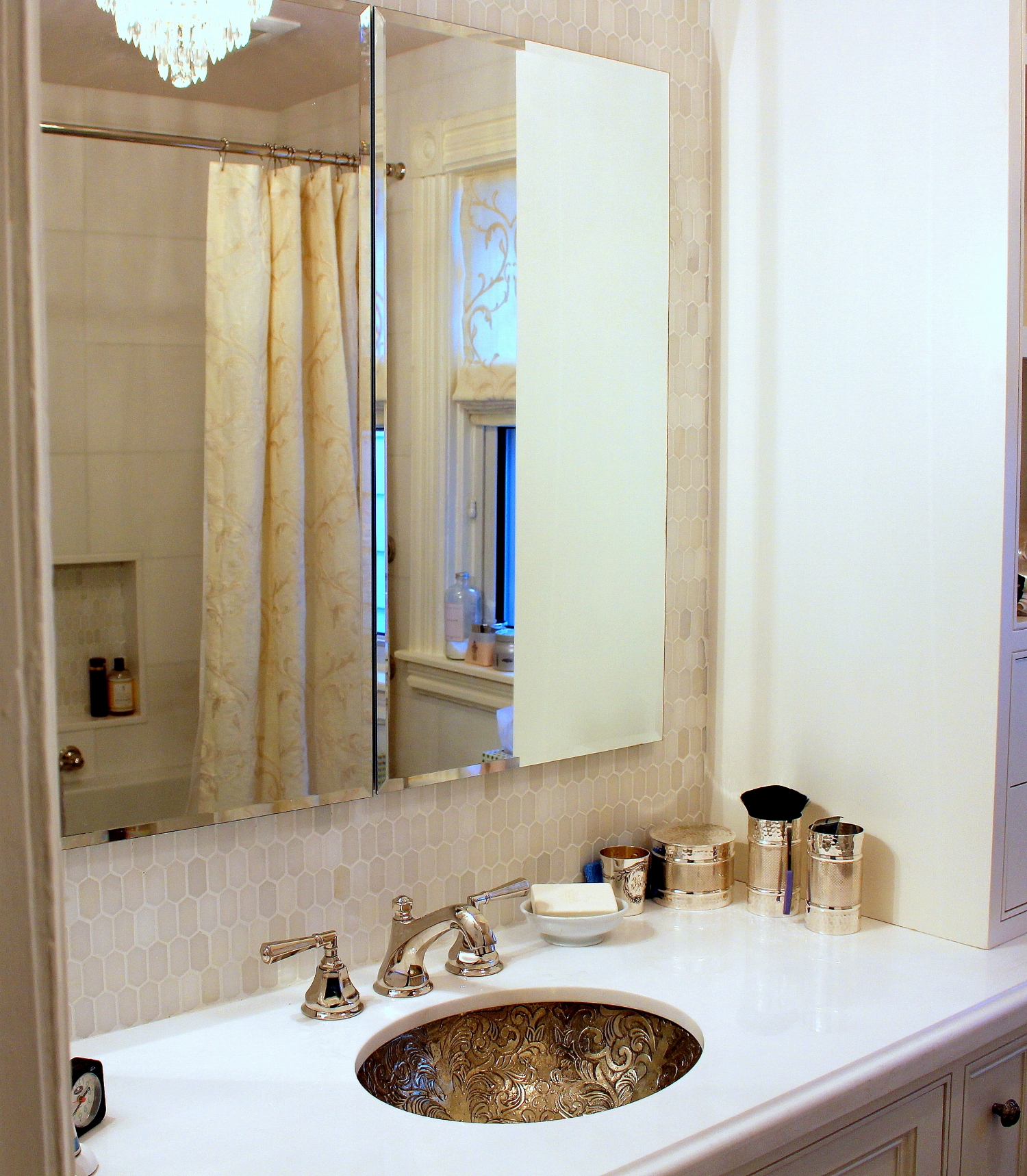 1 - bathroom.JPG