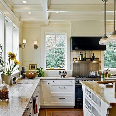 traditional kitchen with curb backsplash.jpg
