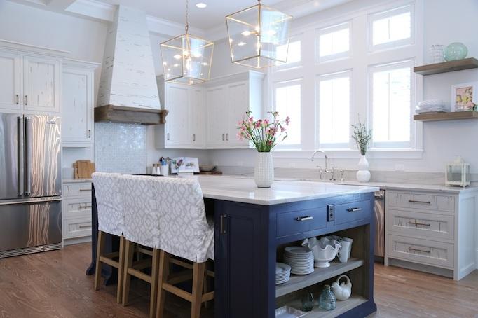 traditional kitchen curb backsplash.jpg
