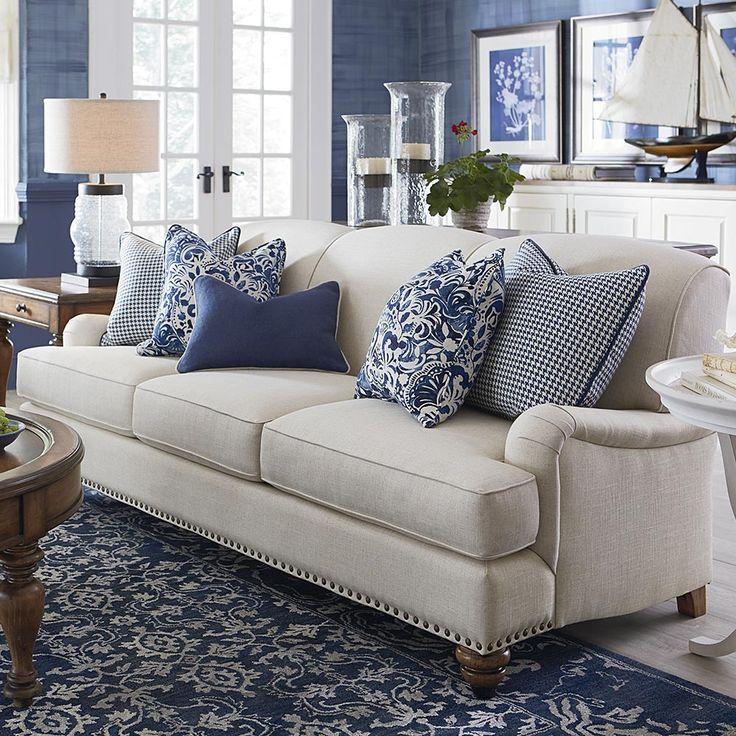 5030bd003a73a68a8ad994f37edf249c--sofa-styling-sofa-pillows.jpg