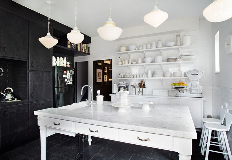 Interesting-contrast-between-black-and-white-in-the-kitchen.jpg