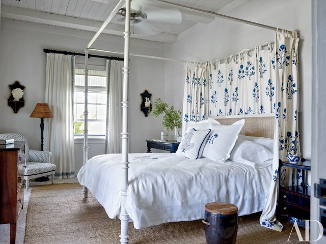 four-poster-beds-12.jpg