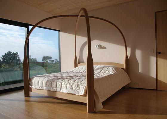 wooden-four-poster-beds.jpg