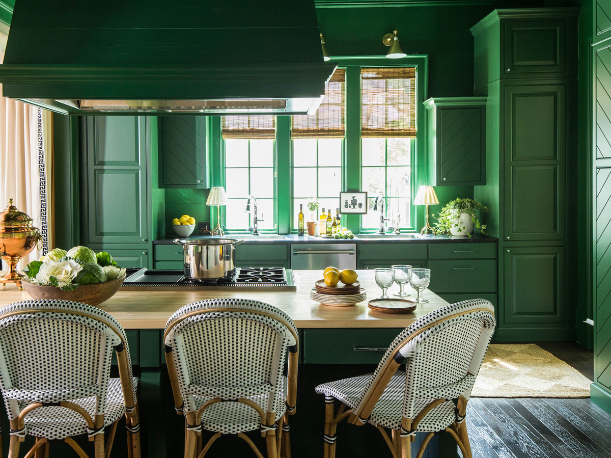 green-kitchen-2446502-2016i41342_0.jpg
