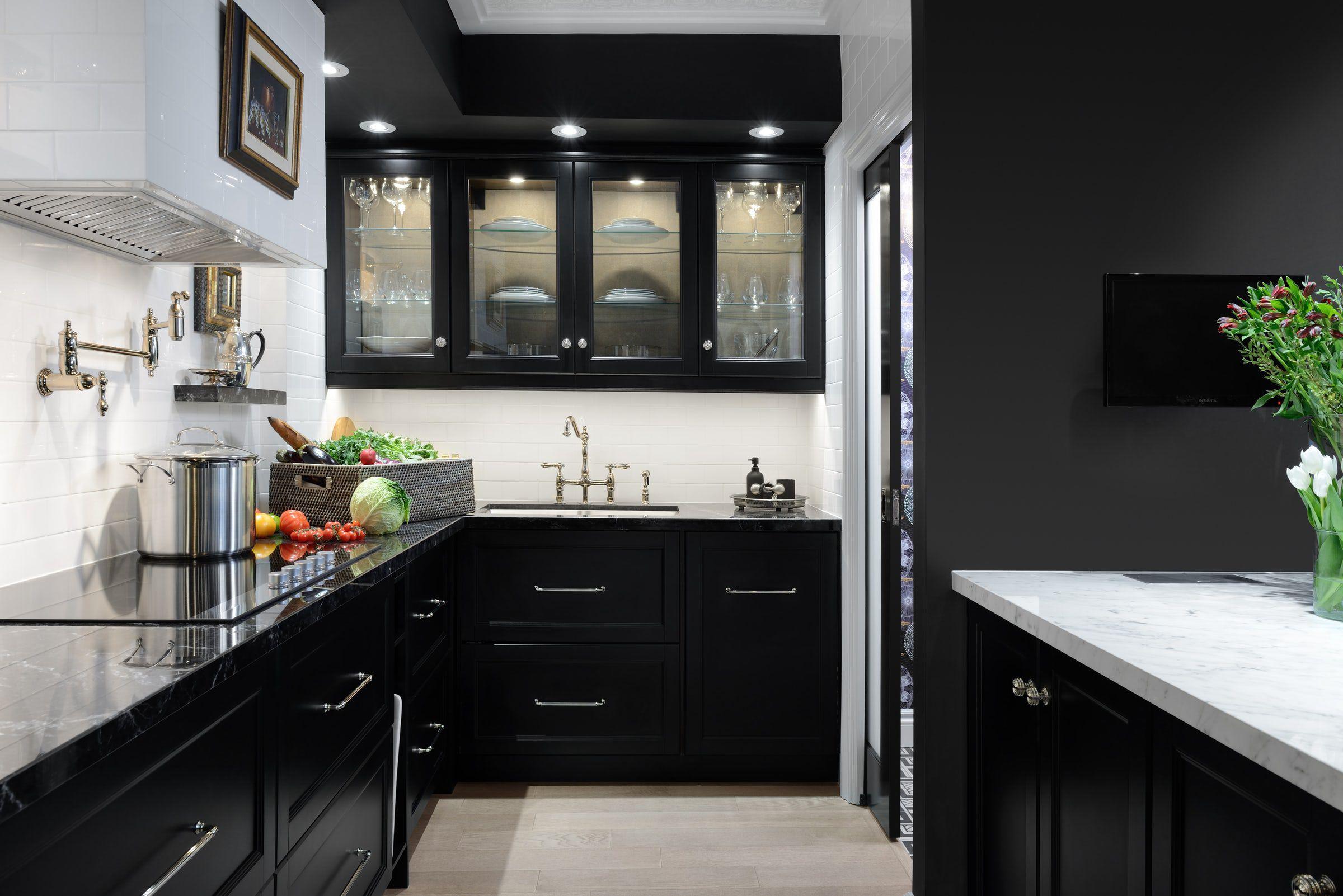 black-kitchen-cabinets-5-1533745612.jpg