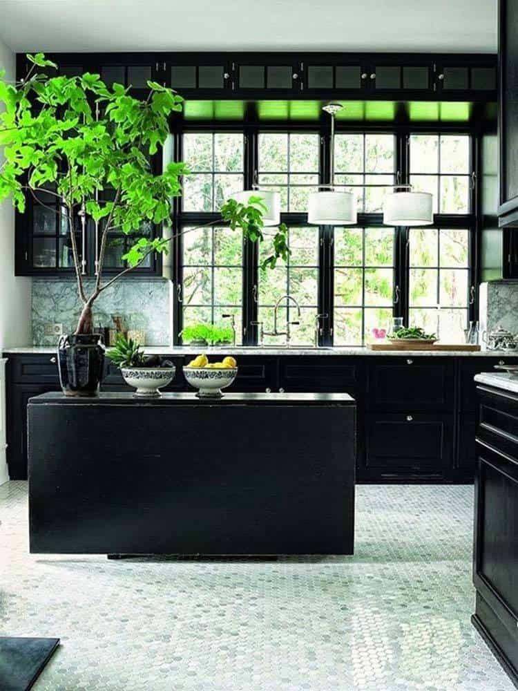 Dramatic-Black-Kitchen-Ideas-01-1-Kindesign.jpg