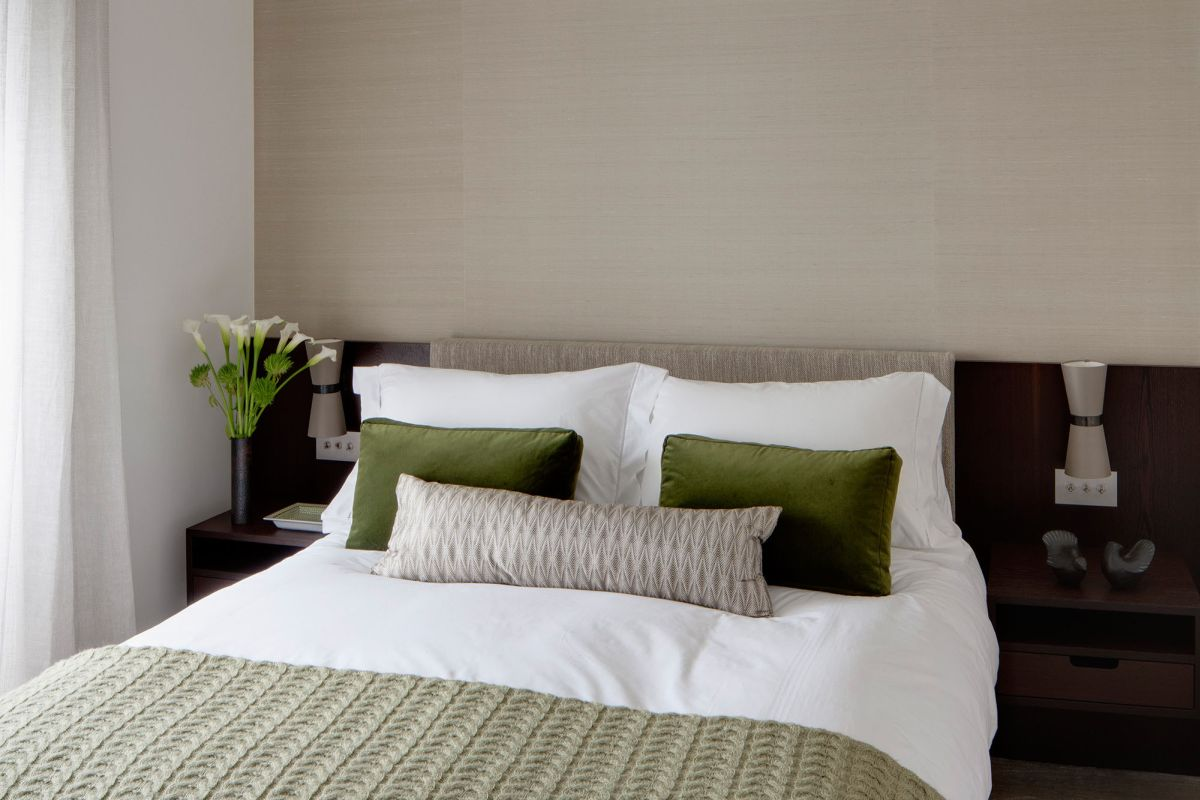 bedroom-color-schemes-cream.jpg