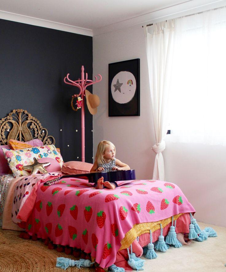 boho-kids-bedroom-girls-bedroom-ideas-using-vintage-finds-more-on-the-blog-ww.jpg