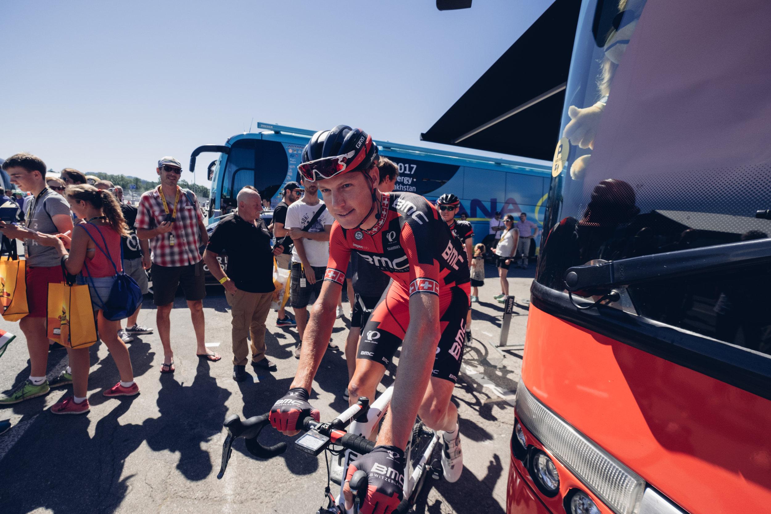 Und Lost gehts!    Herzlichen Dank an das BMC Proteam, BMC Switzerland und Michael Schär für die Einblicke in das Leben an der Tour de France