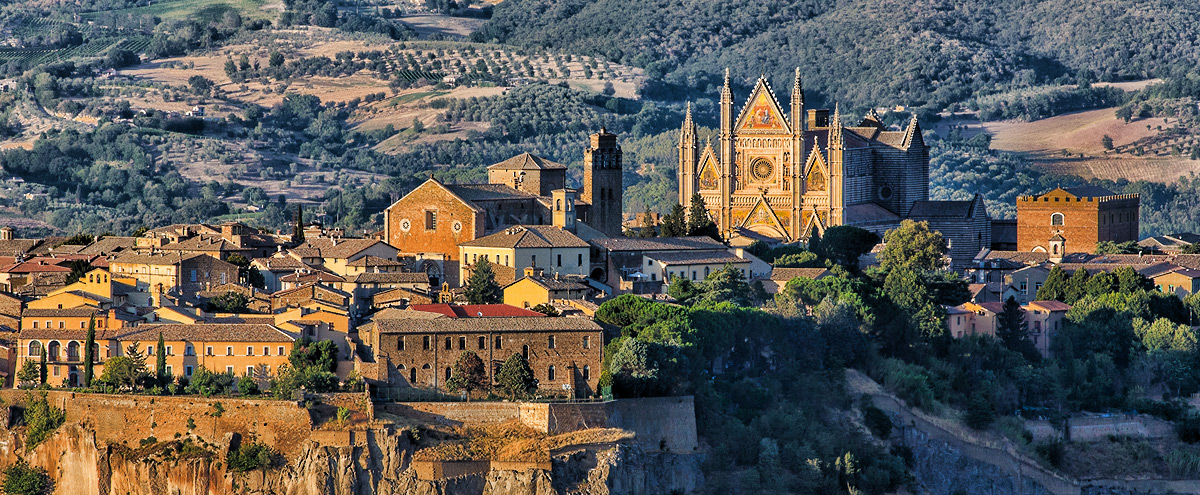 Orvieto - home to one of Italy's most impressive Duomos!