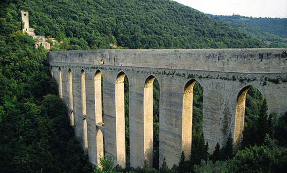 The aqueduct of Spoletto...worth the walk!