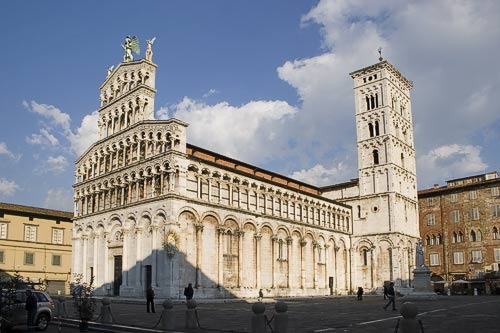 Lucca is a civic gems in northern Tuscany.